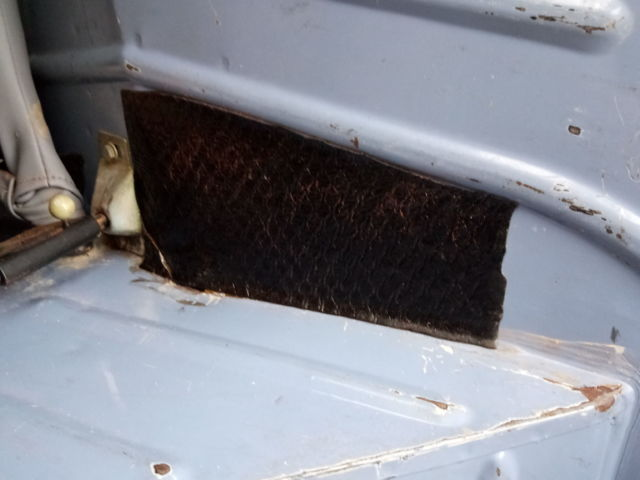 Citroen -2CV6 -Coffre sans corrosion