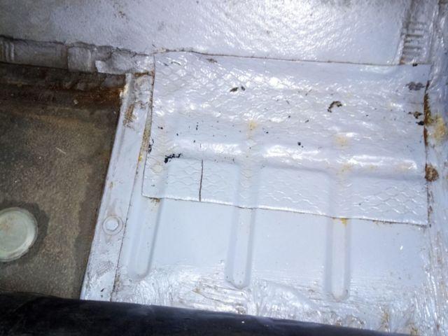Citroen -2CV6 -Pas de corrosion plancher